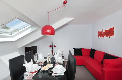 Snaptrip - Last minute cottages - Luxury Brixham Seguro S1181 -