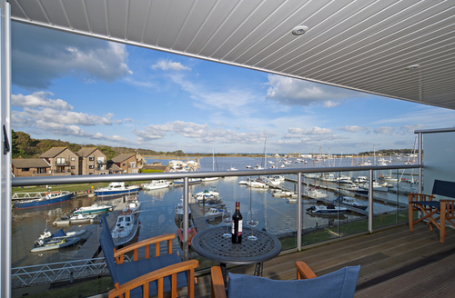 Snaptrip - Last minute cottages - Delightful Ryde View S1178 -