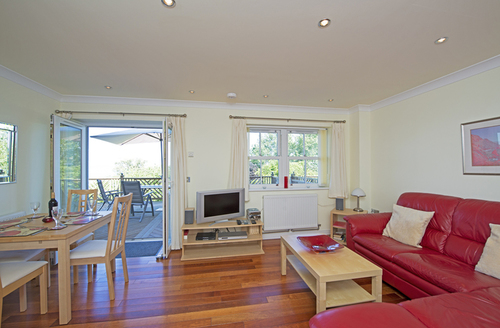 Snaptrip - Last minute cottages - Excellent Shanklin Priory S1188 -