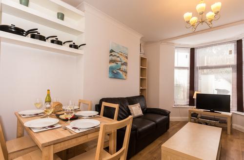Snaptrip - Last minute cottages - Attractive Brixham Rental S1204 -