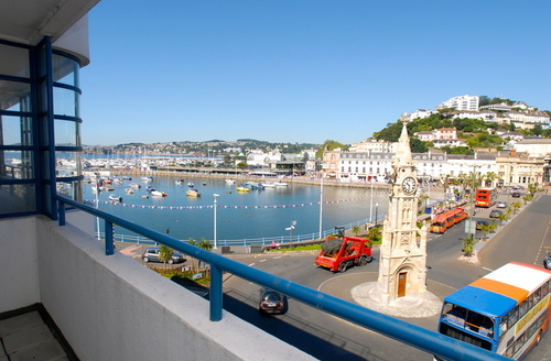 Snaptrip - Last minute cottages - Luxury Torquay Quay S1203 -