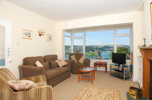Snaptrip - Last minute cottages - Delightful Dartmouth Cottage S1230 -
