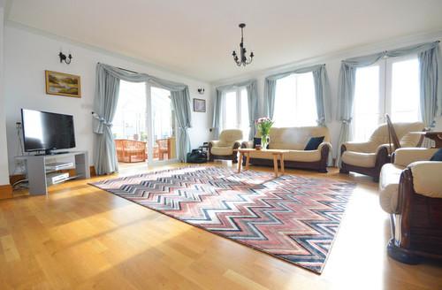 Snaptrip - Last minute cottages - Luxury Paignton Penthouse S1228 -