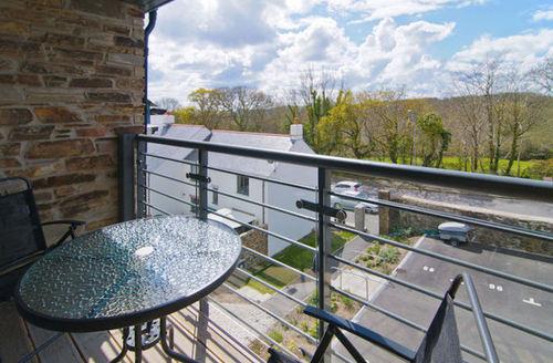 Snaptrip - Last minute cottages - Quaint Saint Austell Apartments S1289 -