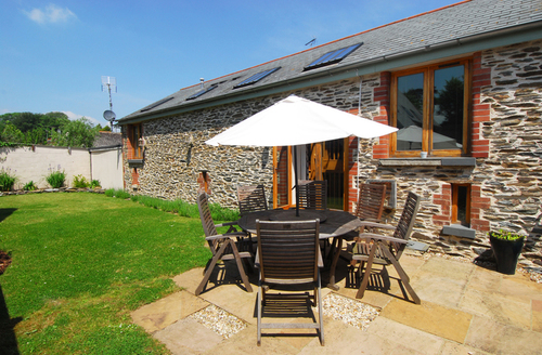 Snaptrip - Last minute cottages - Wonderful Dartmouth Barn S1279 -