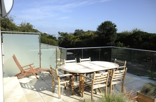 Snaptrip - Last minute cottages - Stunning Bournemouth Dene S1333 -