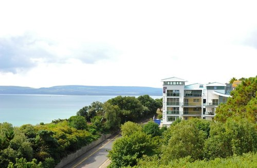 Snaptrip - Last minute cottages - Adorable Bournemouth Dene S1341 -