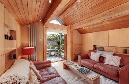 Snaptrip - Last minute cottages - Gorgeous Brixham Barn S1394 -