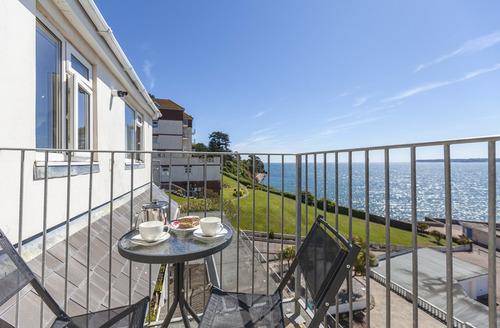 Snaptrip - Last minute cottages - Gorgeous Paignton Apartments S1446 -