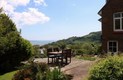 Snaptrip - Last minute cottages - Captivating Shanklin Rental S1426 -