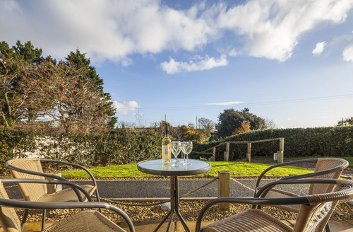 Snaptrip - Last minute cottages - Gorgeous Dawlish Apts S1468 -