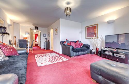 Snaptrip - Last minute cottages - Lovely Paignton Court S1476 -