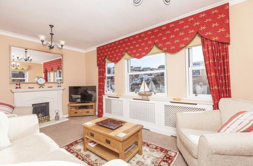 Snaptrip - Last minute cottages - Superb Brixham House S1503 -