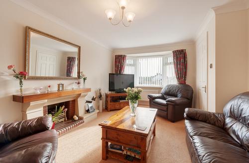 Snaptrip - Last minute cottages - Splendid Paignton Close S1512 -
