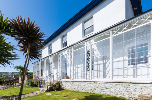Snaptrip - Last minute cottages - Splendid Brixham Villa S1550 -