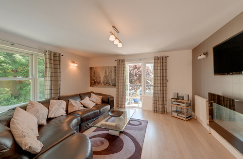 Snaptrip - Last minute cottages - Cosy Teignmouth Court S1773 -