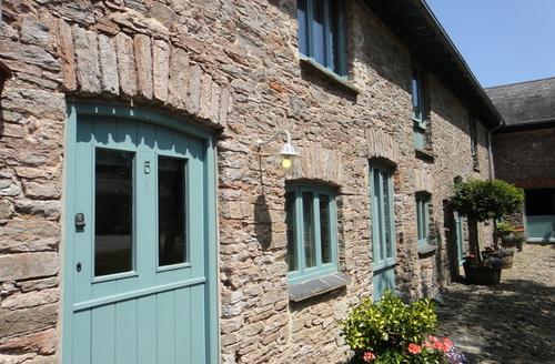 Snaptrip - Last minute cottages - Gorgeous Brixham Cottage S1770 -