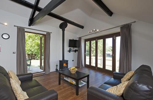 Snaptrip - Last minute cottages - Splendid Ryde Barn S1779 -