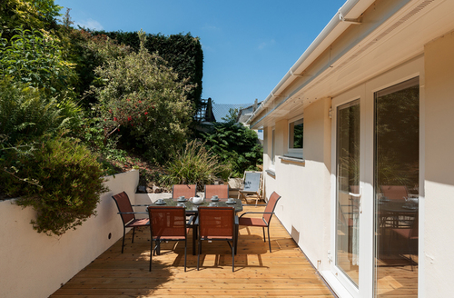 Snaptrip - Last minute cottages - Luxury Salcombe Rental S1782 -