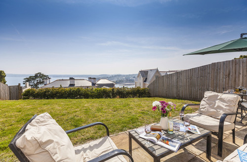 Snaptrip - Last minute cottages - Delightful Torquay Bay S1813 -