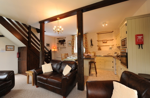 Snaptrip - Last minute cottages - Captivating Holsworthy Stables S1842 -