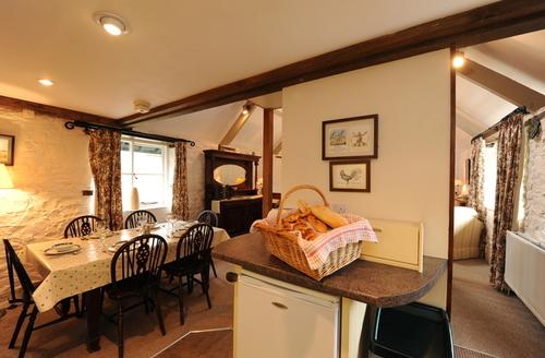 Snaptrip - Last minute cottages - Wonderful Holsworthy Rental S1839 -
