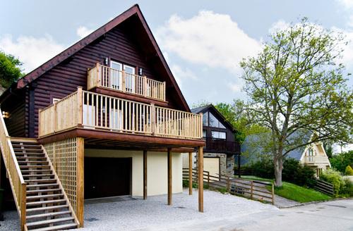 Snaptrip - Last minute cottages - Exquisite Wadebridge Lodge S1854 -