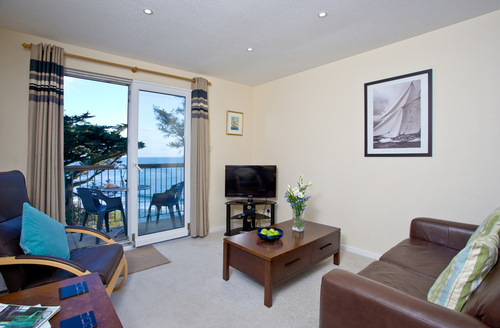 Snaptrip - Last minute cottages - Lovely Torpoint Brioni S1870 -