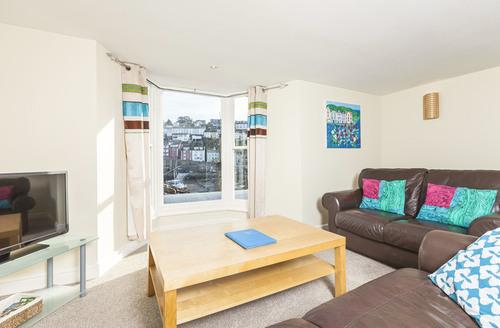Snaptrip - Last minute cottages - Luxury Brixham Hopes S1894 -