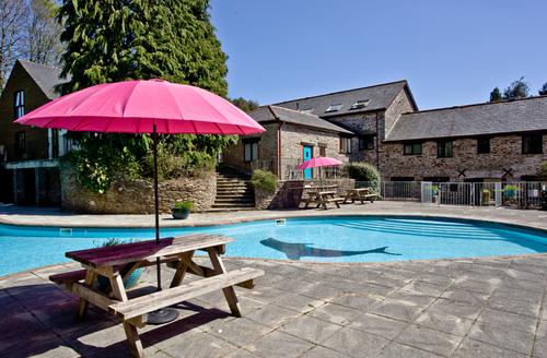 Snaptrip - Last minute cottages - Tasteful Ivybridge Loft S1922 -