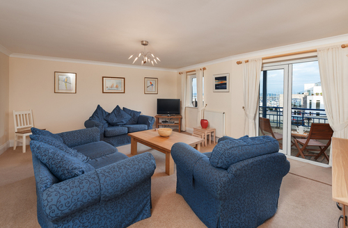 Snaptrip - Last minute cottages - Stunning Brixham Reach S1941 -