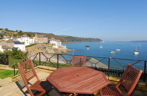 Snaptrip - Last minute cottages - Attractive Torpoint View S1960 -