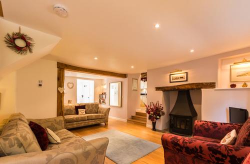 Snaptrip - Last minute cottages - Delightful Kingsbridge Cottage S2002 -