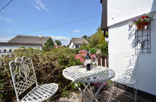 Snaptrip - Last minute cottages - Delightful Newton Abbot Cottage S9075 -