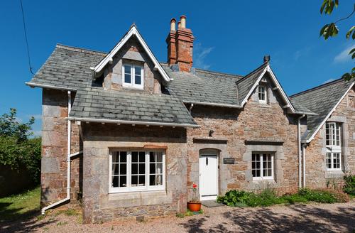 Snaptrip - Last minute cottages - Luxury Churston Ferrers Cottage S9172 -