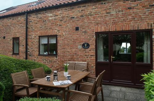 Snaptrip - Last minute cottages - Quaint Theakston Cottage S9186 -
