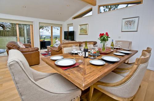Snaptrip - Last minute cottages - Gorgeous Bradford Abbas Lodge S9644 -