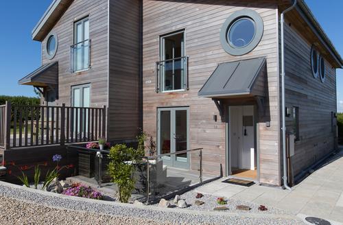 Snaptrip - Last minute cottages - Charming Carbis Bay Cottage S9697 -