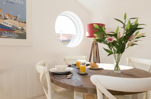 Snaptrip - Last minute cottages - Luxury Carbis Bay Cottage S9702 -