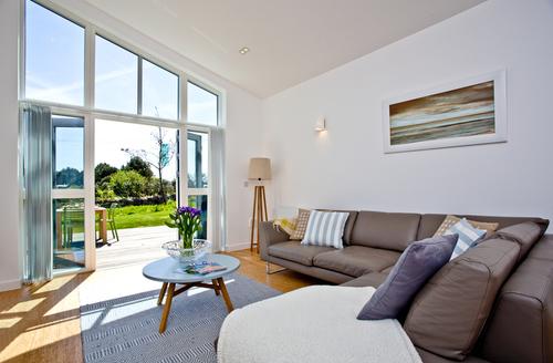 Snaptrip - Last minute cottages - Luxury Carbis Bay Lodge S11639 -