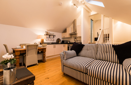 Snaptrip - Last minute cottages - Luxury Salcombe Rental S12901 -