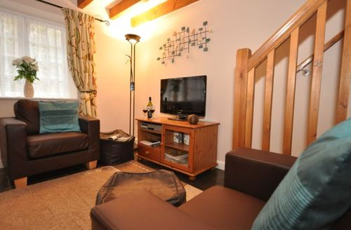 Snaptrip - Last minute cottages - Inviting St Austell Cottage S7712 -