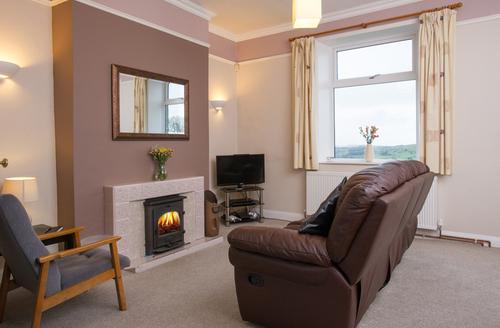 Snaptrip - Last minute cottages - Excellent Oxenhope Rental S13102 -