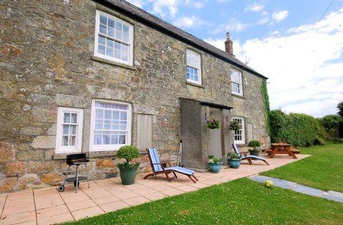Snaptrip - Last minute cottages - Splendid St Austell House S7716 -