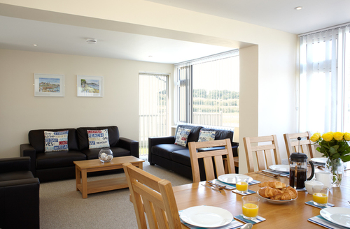 Snaptrip - Last minute cottages - Luxury Seaview Rental S13235 -