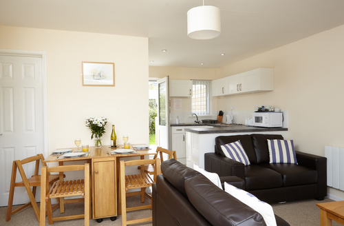 Snaptrip - Last minute cottages - Delightful Seaview Rental S25075 -