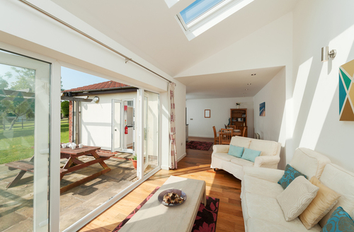 Snaptrip - Last minute cottages - Wonderful Sidmouth Rental S25088 -