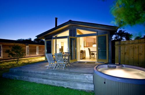 Snaptrip - Last minute cottages - Excellent Bradford Abbas Rental S25600 -
