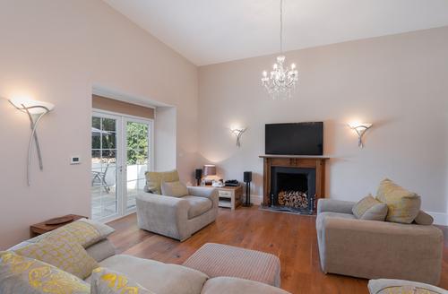Snaptrip - Last minute cottages - Exquisite Ellacombe Rental S25754 -