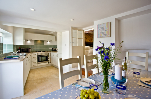 Snaptrip - Last minute cottages - Luxury Brixham Rental S26365 -